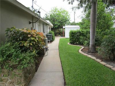 305 VIA DEL AQUA, Clewiston, FL 33440 - Photo 2