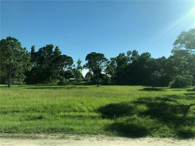 4651 COURTNEY RD, ST. JAMES CITY, FL 33956 - Photo 1