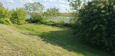 1015 W ANCHOR LN, MOORE HAVEN, FL 33471 - Photo 2