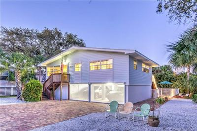 5471 OAK RIDGE AVE, FORT MYERS BEACH, FL 33931 - Photo 2