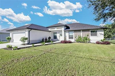 1027 CEDARTREE AVE, Lehigh Acres, FL 33971 - Photo 2