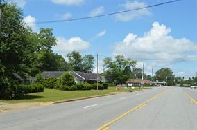 159 CRAWFORD ST, Colquitt, GA 39837 - Photo 2