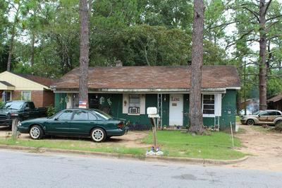 926 HOLLOWAY AVE, Albany, GA 31701 - Photo 2