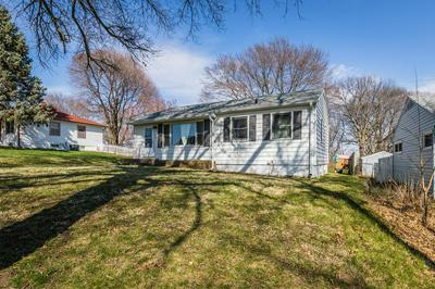 107 N GROVE ST, GLENWOOD, IA 51534 - Photo 2
