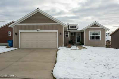 915 GREEN MEADOWS DR, Middleville, MI 49333 - Photo 1