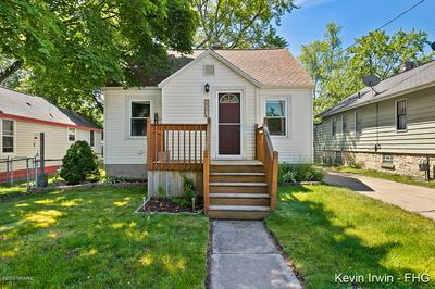835 YOUNG AVE, Muskegon, MI 49441 - Photo 1