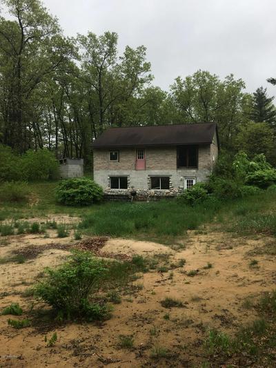 5502 HOLTON WHITEHALL RD, Holton, MI 49425 - Photo 2