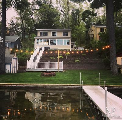 499 W PICKERAL LAKE DR, Newaygo, MI 49337 - Photo 1