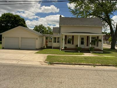 502 CLINTON ST, Marshall, MI 49068 - Photo 1