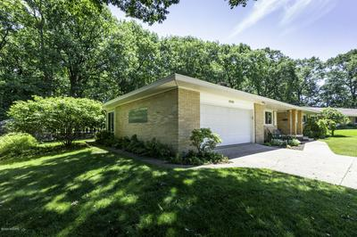 3010 COUNTRY CLUB DR, Muskegon, MI 49441 - Photo 2