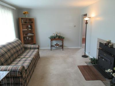 606 W HOME ST, Edmore, MI 48829 - Photo 2