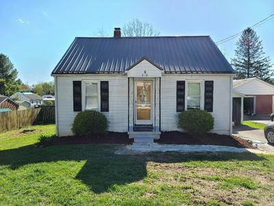 816 HENRY ST, Marion, VA 24354 - Photo 2