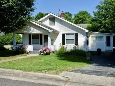 390 W NORTH ST, Wytheville, VA 24382 - Photo 1