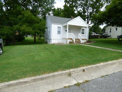 240 W FULTON ST, Wytheville, VA 24382 - Photo 2