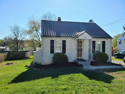 816 HENRY ST, Marion, VA 24354 - Photo 1