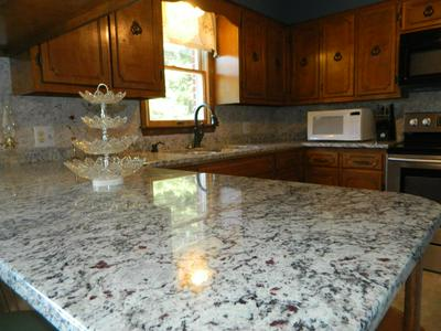 571 ACORN LN, Damascus, VA 24236 - Photo 2