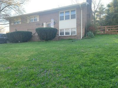 1001 MIDDLE AVE, Marion, VA 24354 - Photo 2