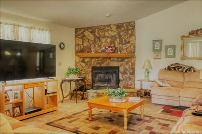 28301 BURLINGAME CT, Tehachapi, CA 93561 - Photo 2