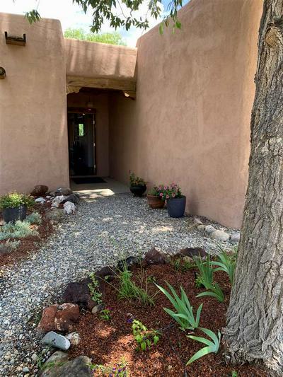 32 SARITA RD, Taos, NM 87571 - Photo 2