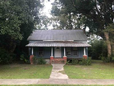 541 SE SEABOARD ST, LEE, FL 32059 - Photo 1