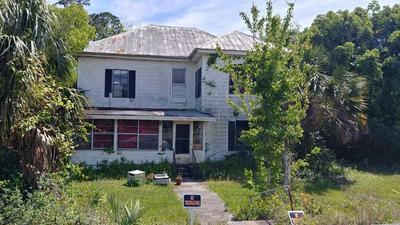 303 SE AVENUE B, CARRABELLE, FL 32322 - Photo 1