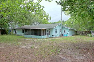 305 NW 12TH ST, CARRABELLE, FL 32322 - Photo 2
