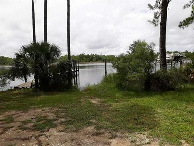 509 NW 12TH ST, CARRABELLE, FL 32322 - Photo 2