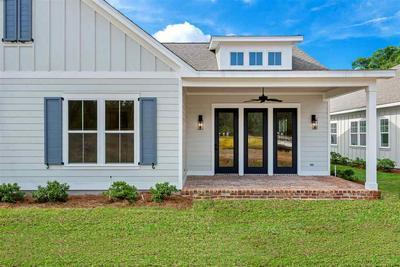 215 CAMELLIA OAKS AVE, Tallahassee, FL 32308 - Photo 1