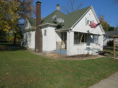 742 E JACKSON ST, Sullivan, IN 47882 - Photo 2