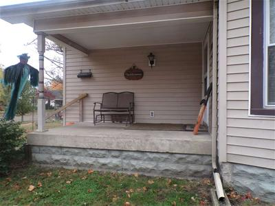 1801 S 5TH ST, Terre Haute, IN 47802 - Photo 2
