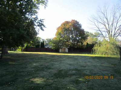 435 W WASHINGTON ST, SULLIVAN, IN 47882 - Photo 2