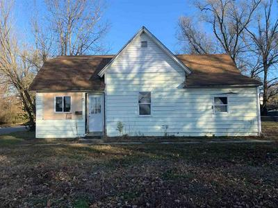 2205 SPRUCE ST, Terre Haute, IN 47807 - Photo 1