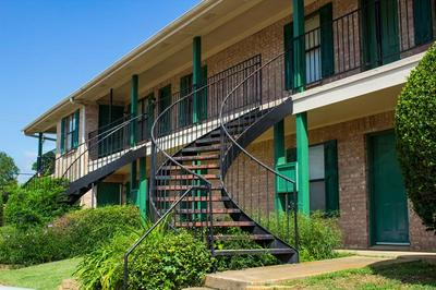 4133 NE STALLINGS DR, Nacogdoches, TX 75965 - Photo 1