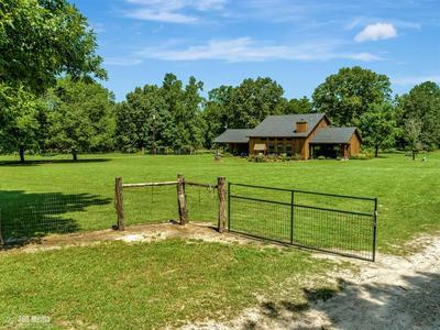 554 CHARLIE PORTER RD, Huntington, TX 75949 - Photo 2