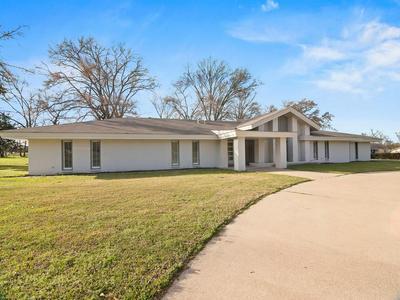 515 N MAIN ST, Groveton, TX 75845 - Photo 2