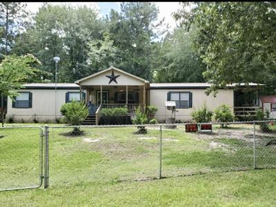 437 W MAPLE ST, Huntington, TX 75949 - Photo 1