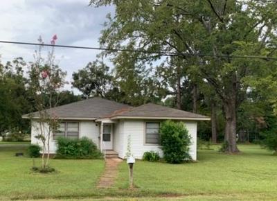 212 2ND ST, Atlanta, TX 75551 - Photo 1