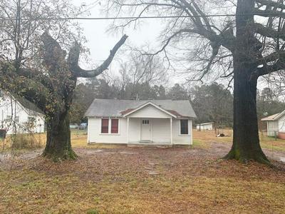 1107 E MAIN ST, Atlanta, TX 75551 - Photo 1