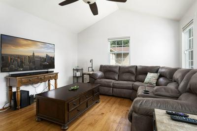 400 NEW BETHEL RD, Piney Flats, TN 37686 - Photo 2