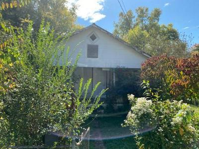 2507 GRAY ST, Johnson City, TN 37604 - Photo 2
