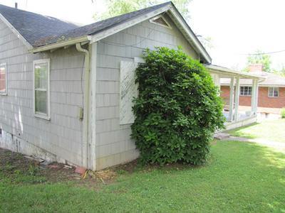 473 KENTUCKY AVE, Bluff City, TN 37618 - Photo 2