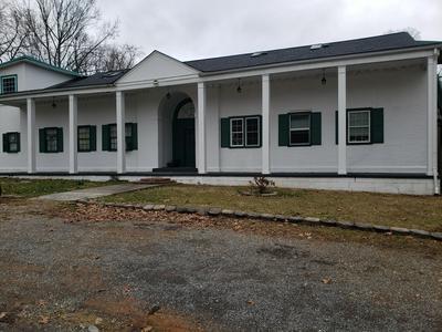 4033 HARBOR CHAPEL RD, Kingsport, TN 37664 - Photo 1