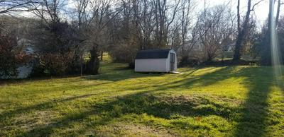 1014 BLUEFIELD AVE, Elizabethton, TN 37643 - Photo 2