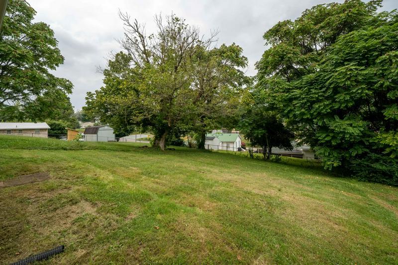 1712 CARTER AVE, Johnson City, TN 37604 | MLS# 9913250 ...