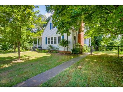 1833 WASHINGTON AVE, Kingsport, TN 37664 - Photo 2