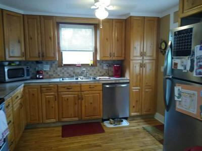 152 E HIGHLAND RD, Johnson City, TN 37601 - Photo 2