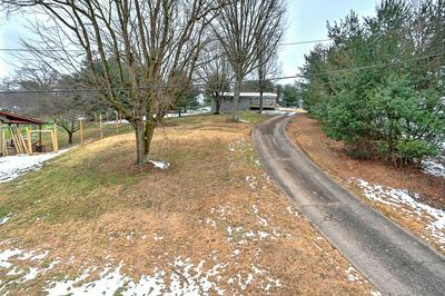 322 LUCY RD, Kingsport, TN 37660 - Photo 2