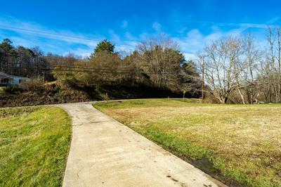 1805 BLOUNTVILLE BLVD, Blountville, TN 37617 - Photo 2