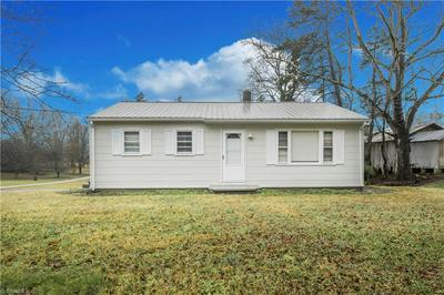 4590 HIGH POINT RD, Kernersville, NC 27284 - Photo 1