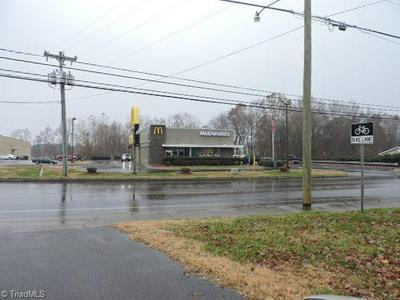 504 E ATKINS ST, Dobson, NC 27017 - Photo 2